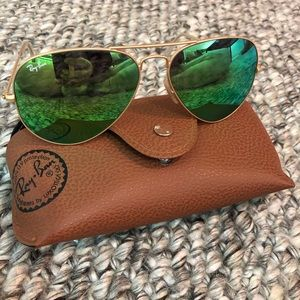 Ray Ban Green Lense Aviator Sunglasses